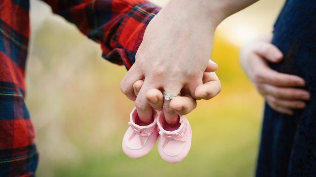 妊娠中のママと赤ちゃんの靴